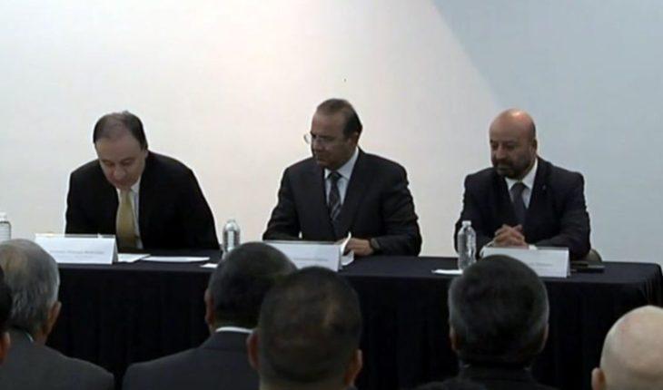 Presenta Alfonso Durazo a su equipo en SSPC