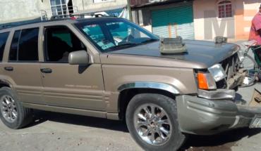 Se registra choque entre dos vehículos en la colonia Zapata de Apatzingán, Michoacán