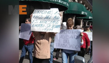 Trabajadores protestan para exigir sus pagos