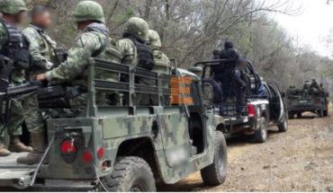 Tras una persecución y balacera policías y soldados aseguran camioneta y armamento en Apatzingán