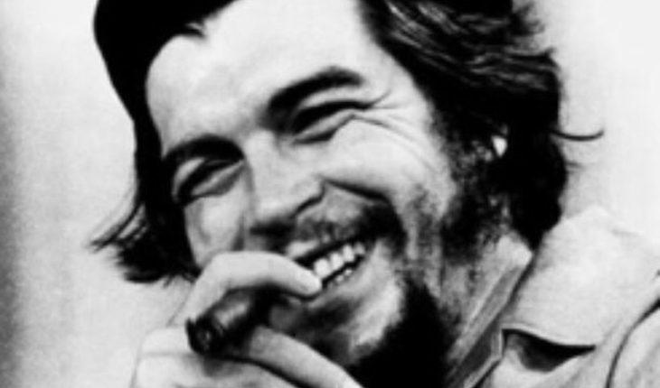 """UDI busca que se enseñe en los colegios """"los crímenes"""" del Che Guevara"""
