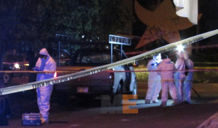 Una familia es atacada a balazos en Galaxia Tarímbaro, mueren una mujer y un niño