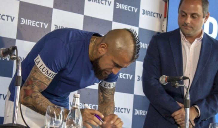 Arturo Vidal llega a Chile para firmar como principal rostro deportivo de DirecTV