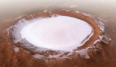 Así luce el impresionante cráter de hielo en Marte