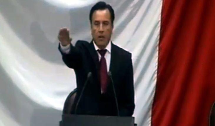 Assumes Cuitláhuac García as Governor of Veracruz