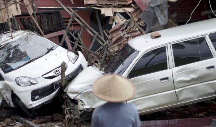 Autoridades de Indonesia reconocen error por no emitir alerta de tsunami