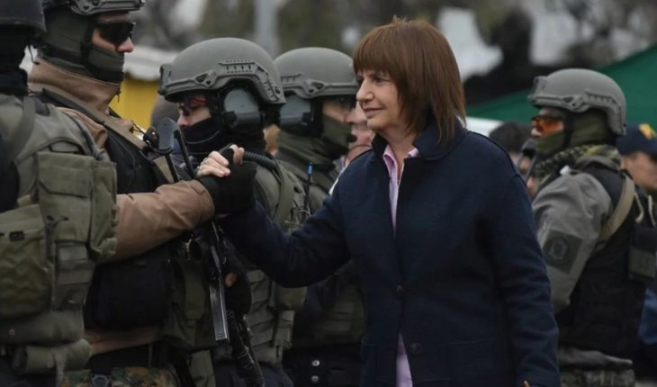 Bullrich defended the use of firearms by the Federal forces