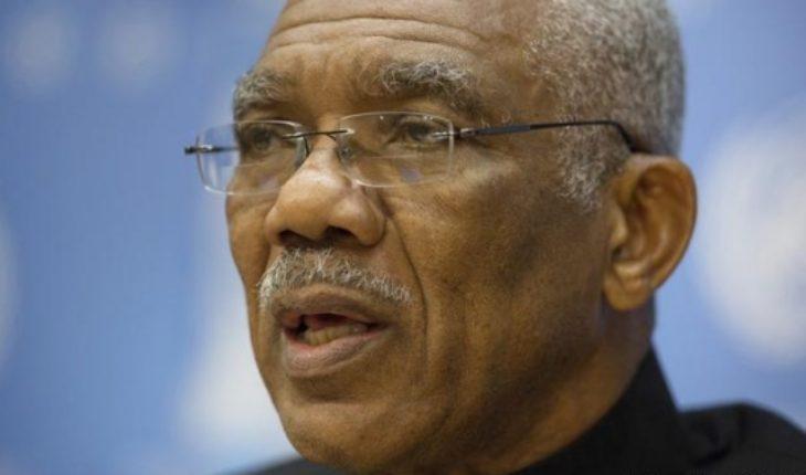 Cae Gobierno de Guyana y habrá elecciones en 90 días más