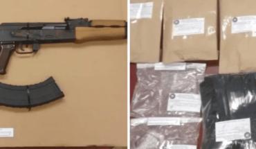 Decomisan armas, drogas y vehículo en viviendas de Obregón