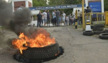 Despidos y protesta en una planta de Frabricaciones Militares