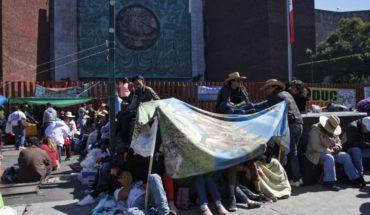 Diputados cambian hora de sesión por protesta de campesinos