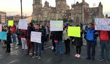 Empleados del SAT protestan por despidos injustificados