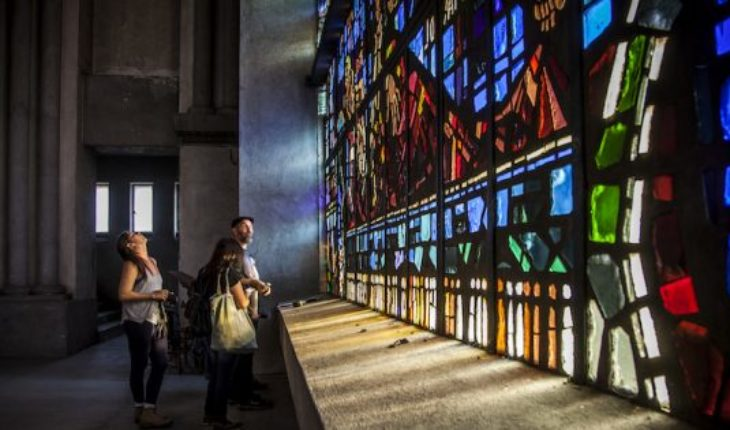 Exhibition reveals the secrets of the stained glass windows of the Basilica our Lady of Lourdes Basilica La