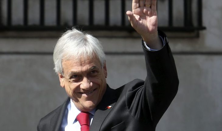 Piñera alcanza una nota 4,3 en la última medición del año de la CADEM