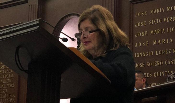 Propone Sandra Luz Valencia, reducción del 50 % en cobro de placas y documentos vehiculares