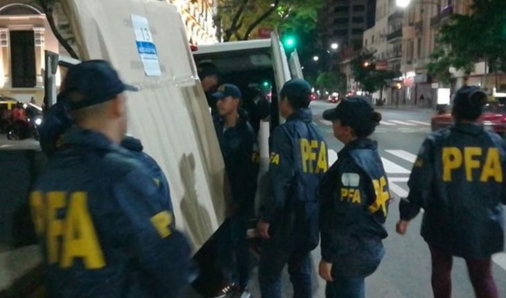 Retiraron obras de arte del departamento de Cristina Kirchner en Recoleta