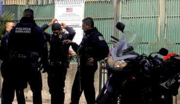 Tras el ataque policías mexicanos también custodian el consulado.