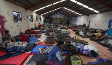 What are the occupations of migrants traveling in the caravan