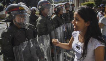 ¿Quién apoya a Guaidó y quién está con Nicolás Maduro?