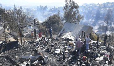 """Conaf actualiza el estado de los incendios forestales que afectan al país: """"Son semejantes a la catástrofe de 2017"""""""