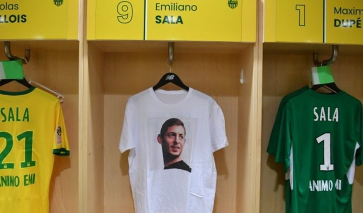 El homenaje de Nantes en su primer partido tras la desaparición de Sala