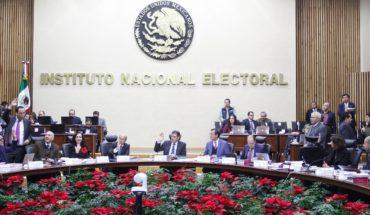 INE presenta controversia por el recorte a su presupuesto