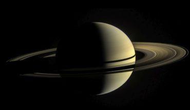 Los anillos hacen a Saturno más azul y menos brumoso en Invierno