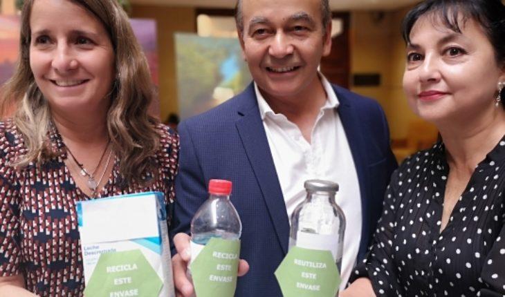 """Presentan proyecto de ley """"etiquetado verde"""" para incentivar el reciclaje"""