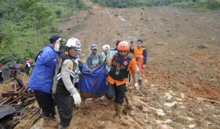 At least 9 dead and 34 missing in landslide in Indonesia