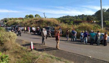 Community members say 'loggers' trucks; they burn one in Ziracuaretiro