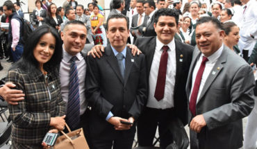 Members come to the opening of offices of IMSS