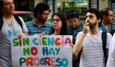 """Network of national doctoral scholarships-affected: """"Have suffered reduction and loss of profits to the detriment of the country's scientific development"""""""