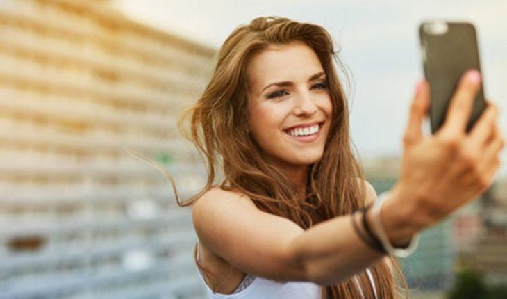 """¿Por qué la """"felicidad"""" es la única cara de las redes sociales?"""