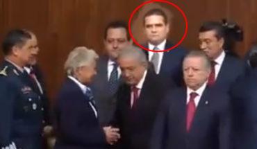 AMLO ignora a Silvano Aureoles en evento oficial, pasa sin saludarlo (video)
