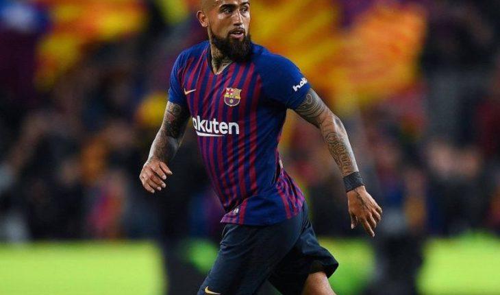 Arturo Vidal asoma como titular en el cruce entre Barcelona y Valencia