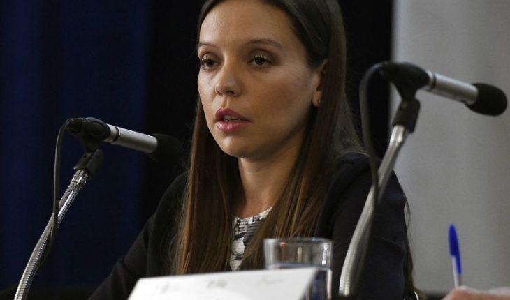 """Camila Flores se lanza contra los """"medios de izquierda Chilevisión y CNN Chile"""""""