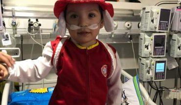 Clínica UC e Isapre Cruz Blanca tienen en jaque a familia de menor de 3 años prioridad nacional de transplante al corazón