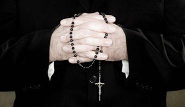 """Denunciante de ex canciller del Arzobispado: """"Yo tenía entre 12 y 13 años, sabía que pasó algo malo"""""""