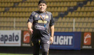Diego Maradona volvió a ser suspendido en México