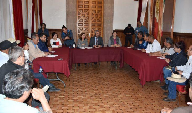 Diputada Sandra Luz se compromete a defender los derechos de los trabajadores de la Junta de Caminos del Estado