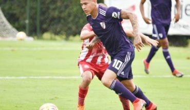 El Neymar colombiano, Jorge Carrascal, enamora a todo River con gol olímpico en Reserva