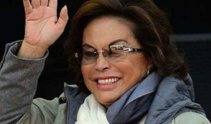 Elba Esther pone en venta dos lujosas y enormes mansiones en EU
