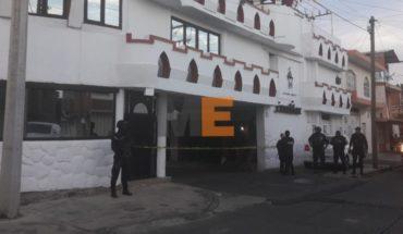 Encuentran a una mujer muerta en la habitación de un motel en Uruapan, Michoacán