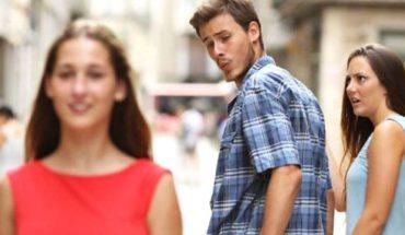 """Este es el meme antes del meme del """"novio distraído"""""""