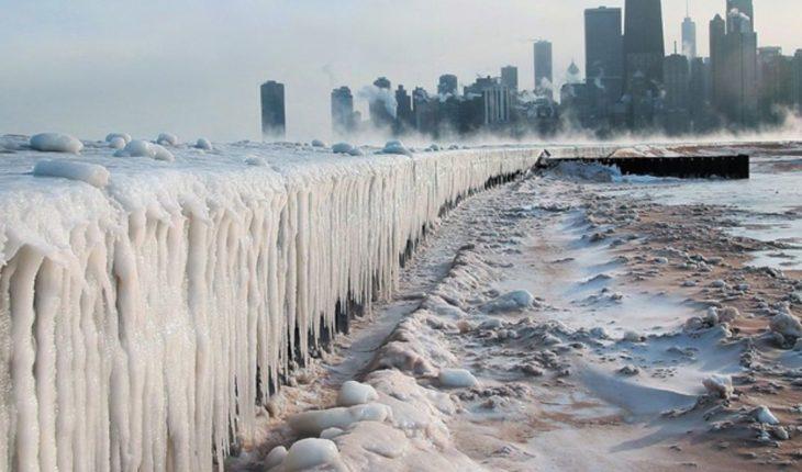 Estudiante muere de frío en EU; quiso tomar atajo con ropa ligera