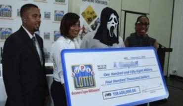 Ganó la loteria y fue a cobrar disfrazado para que su familia no le pida dinero