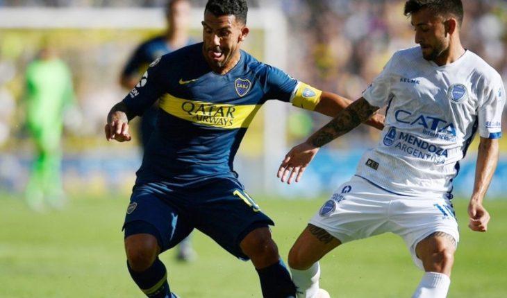 Gustavo Alfaro confirmó que Carlos Tevez no será titular ante Belgrano