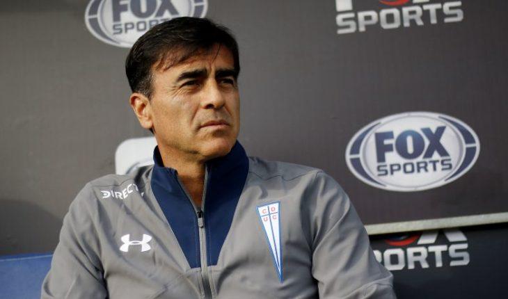 """Gustavo Quinteros: """"Estamos buscando un volante central chileno, si es posible, con características específicas"""""""