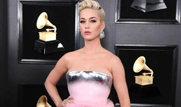 Katy Perry y su genial respuesta a sus memes tras los Grammy