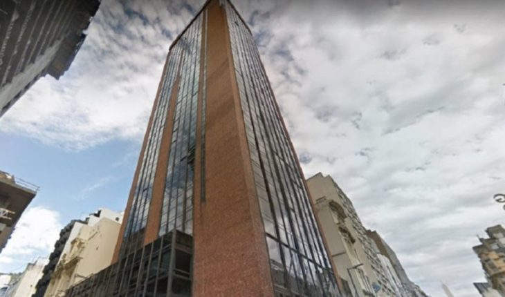 Las denuncias alrededor del hotel que se incendió en el centro porteño